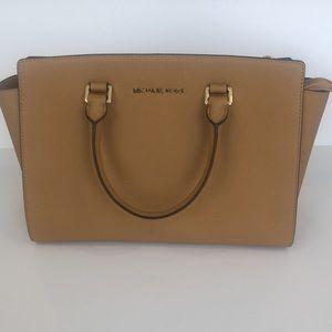 MICHAEL KORS Selma Bag (Like New)